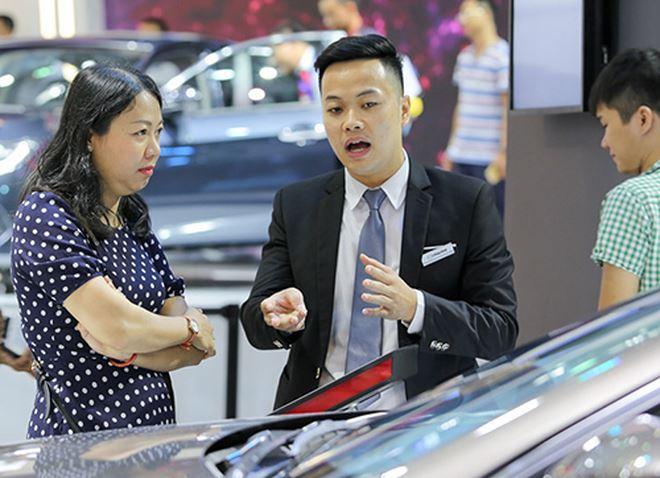 mức lương nhân viên kinh doanh ô tô
