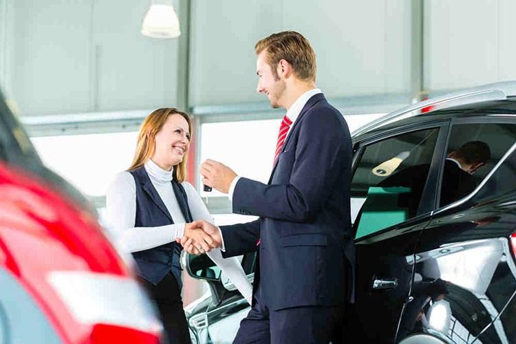lương nhân viên kinh doanh xe ô tô là bao nhiêu