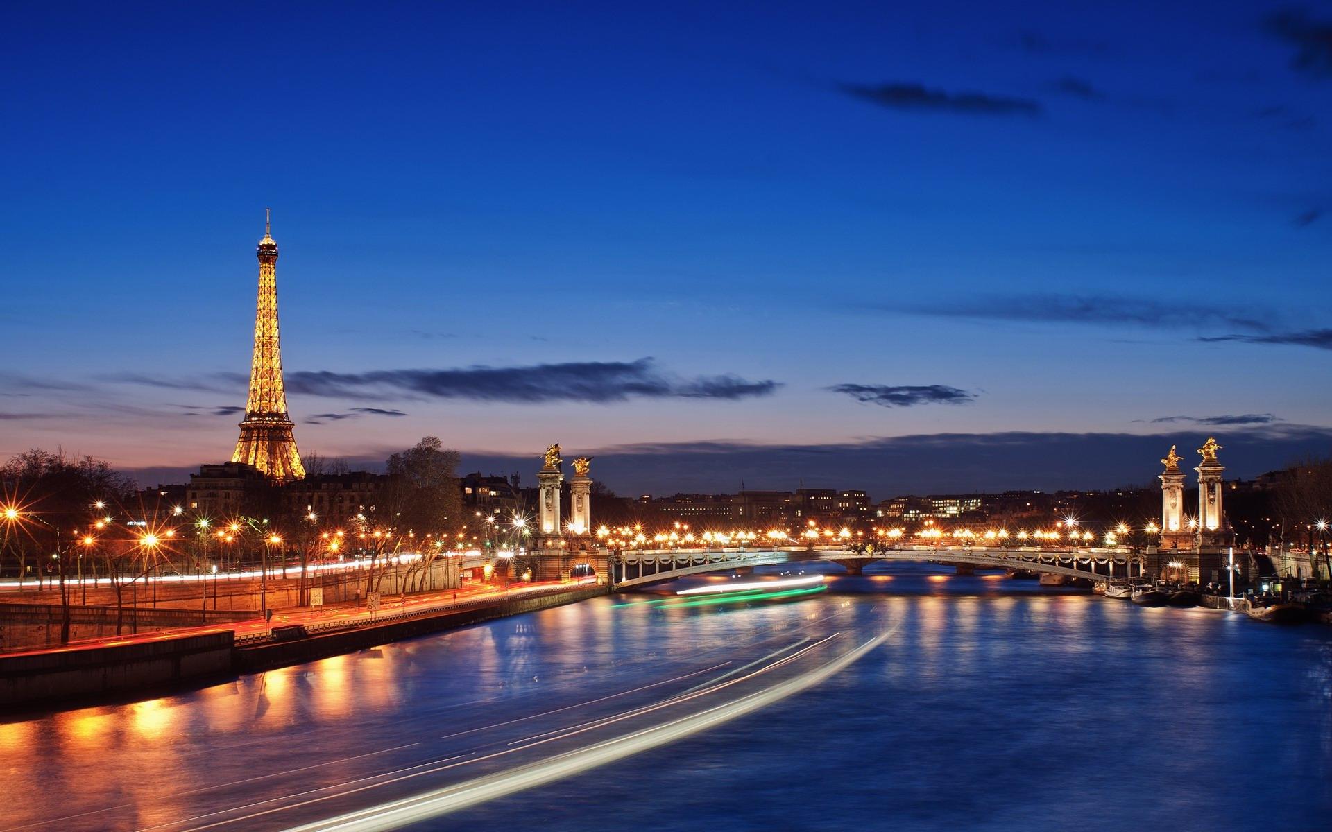 vé máy bay đi Pháp giá rẻ