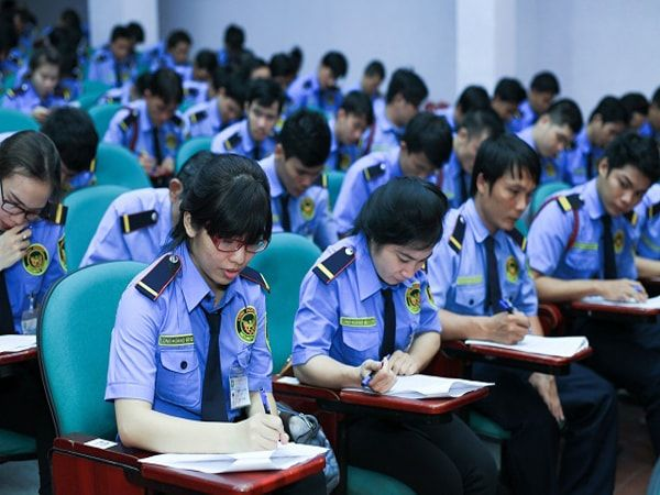 Tham gia các lớp đào tạo nâng cao nghiệp vụ