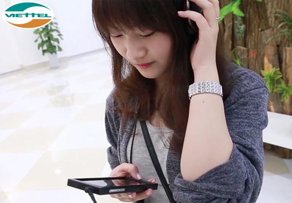 """Viettel """"sốt sình sịch"""" với dịch vụ hát Karaoke trên di động"""