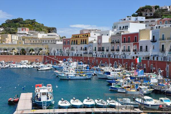 Top 12 thị trấn biển đẹp nhất ở nước Ý