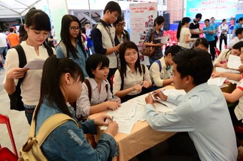 Vì sao sinh viên ra trường chưa xin được việc tại Hà Nội