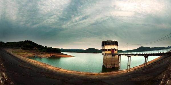 Đến Hà Tĩnh ngắm vẻ đẹp mộng mơ của Hồ Kẻ Gỗ