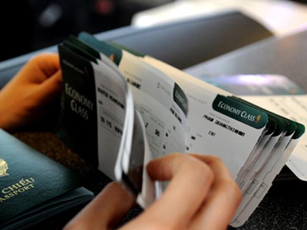 Làm sao để tránh mua phải vé máy bay giả