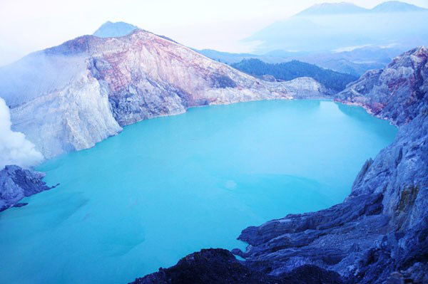10 hồ nước kinh dị nhất trên thế giới (P1)