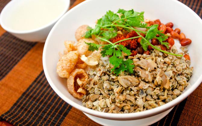Nên ăn gì khi đi du lịch Huế