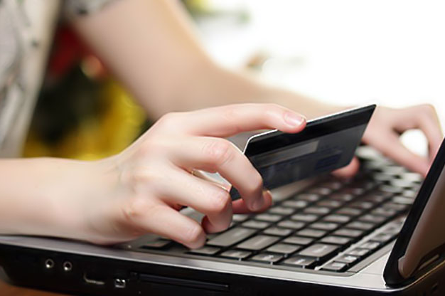 Có thể mua thẻ điện thoại online bằng tài khoản của ngân hàng nào?