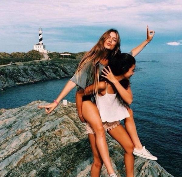 Vì sao nên đi du lịch cùng bạn thân