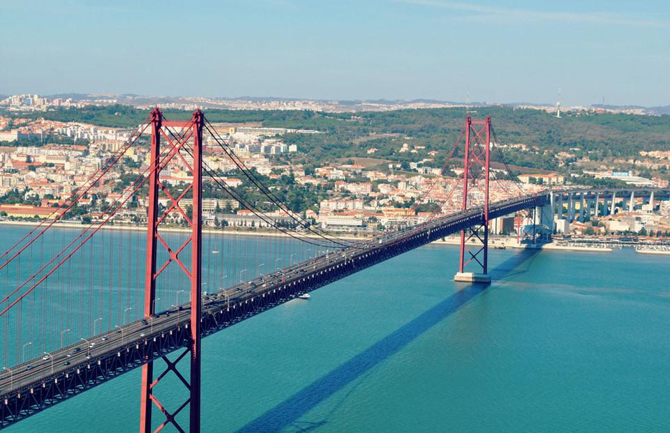 Những cây cầu đầy ấn tượng ở châu Âu