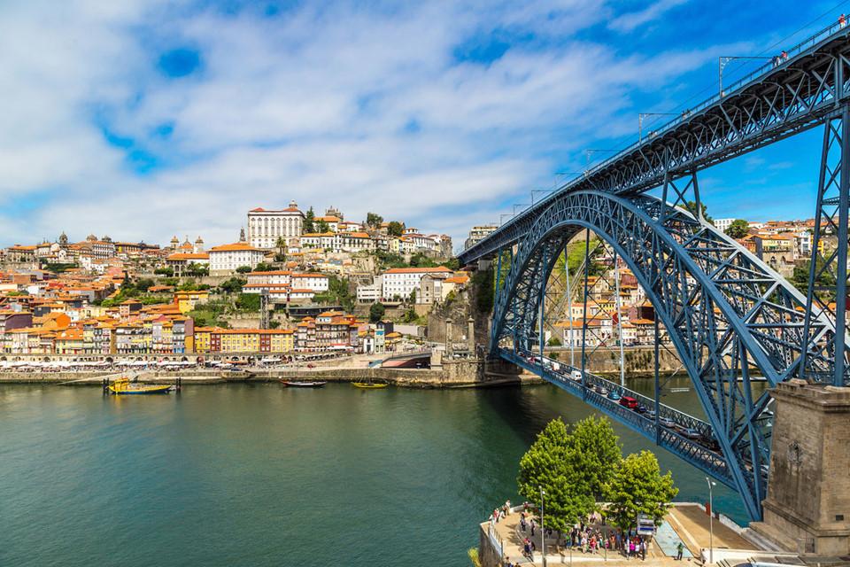 Những cây cầu đẹp tại châu Âu