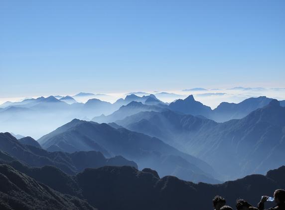 Muốn lên tới đỉnh Phan Xi Păng, Vươn tới phú sĩ của VN