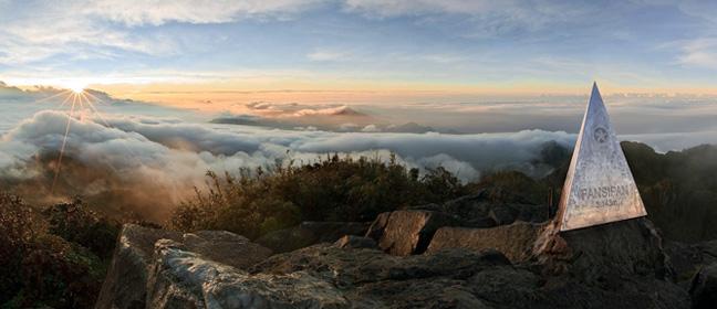 Muốn lên tới ngọn núi Phan Xi Păng, vượt qua giới hạn