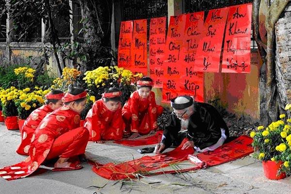 Chọn món quà Tết bổ ích của dân đất Việt