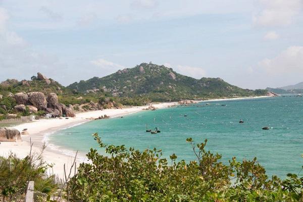 Những trải nghiệm hấp dẫn ở bãi biển Bình Tiên Ninh Thuận
