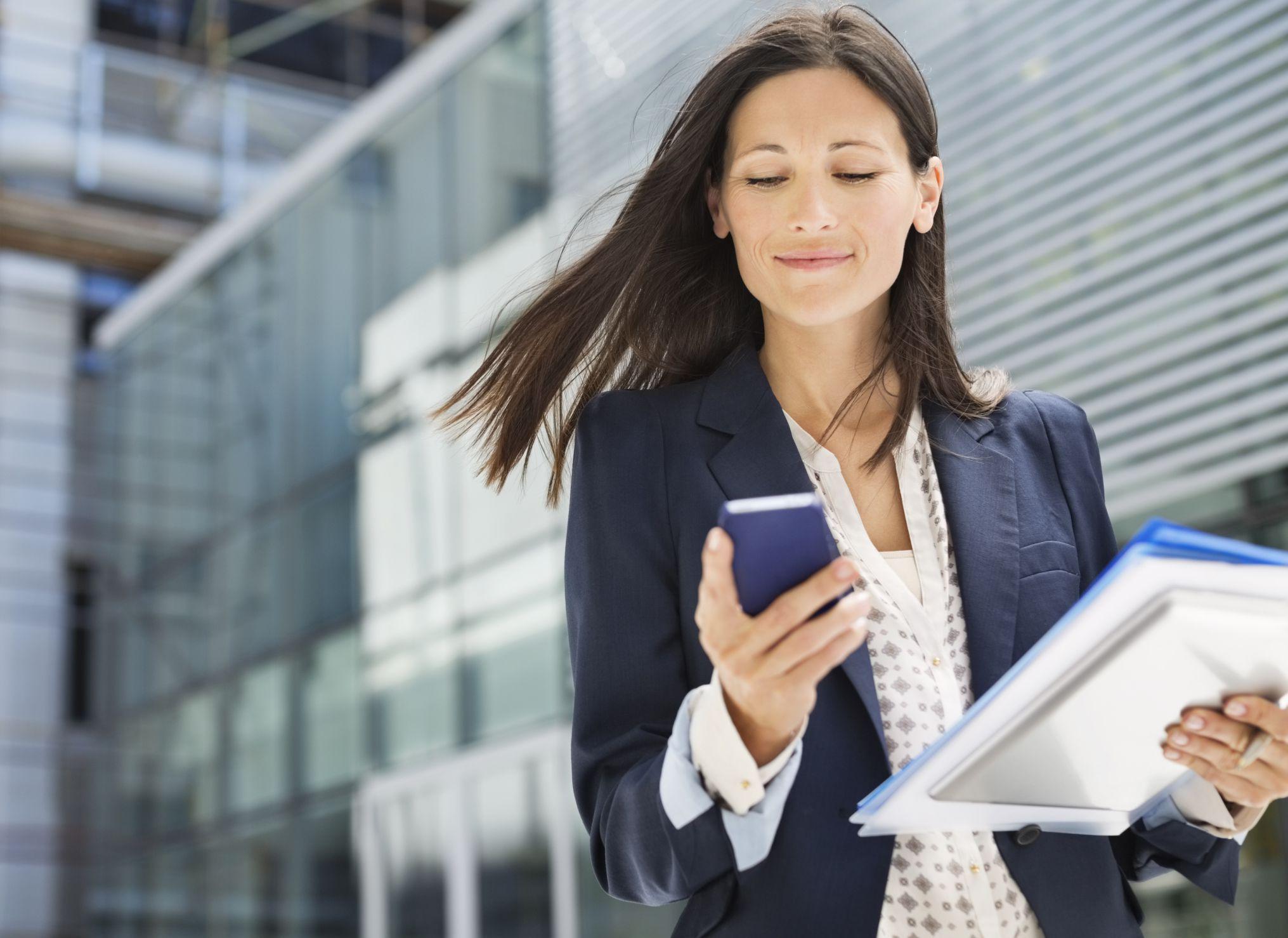 Mách bạn cách mua mã thẻ điện thoại bằng sms Vinaphone