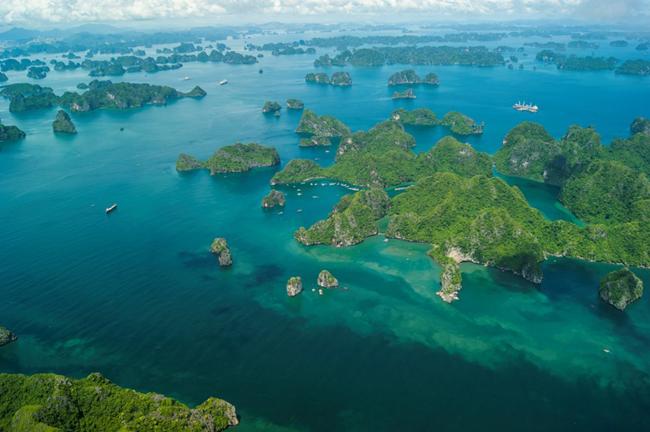 Ba điểm du lịch Việt Nam đẹp tuyệt vời trên bom tấn Hollywood