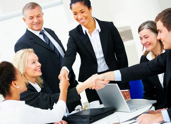 Ứng xử trong công sở: Đừng bỏ qua 10 quy tắc này