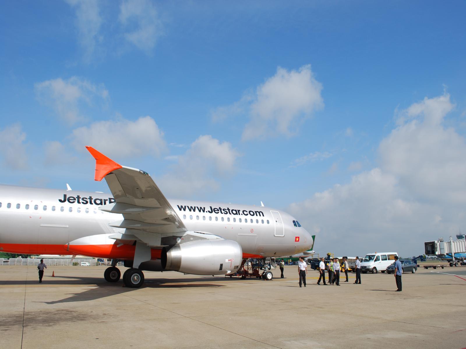Đặt vé máy bay giá rẻ với Jetstar