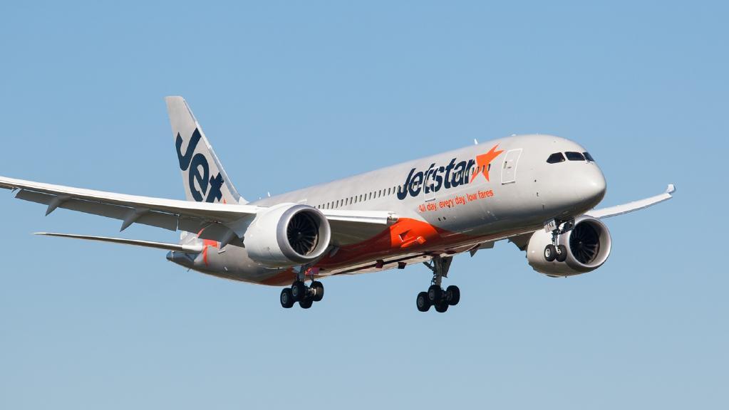 Hàng trăm vé máy bay giá rẻ Jetstar Pacific tràn về hunghabay.vn
