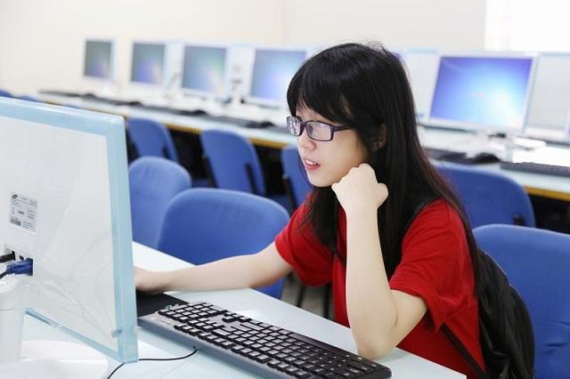 Những tâm sự của con gái khi học ngành công nghệ thông tin