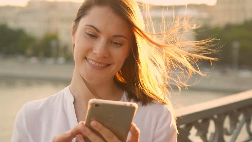 Các cách mua thẻ điện thoại mobifone nhanh chóng nhất