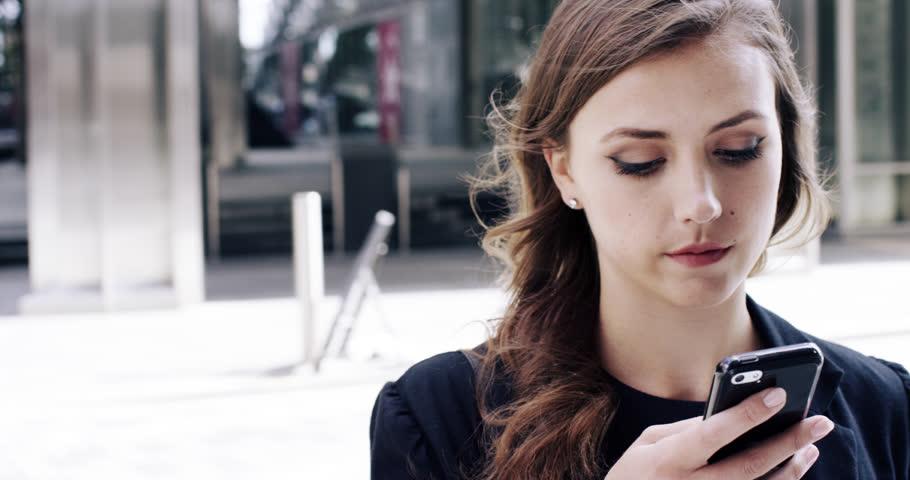 Mua thẻ cào vinaphone online nhận chiết khấu lên đến 6.1%