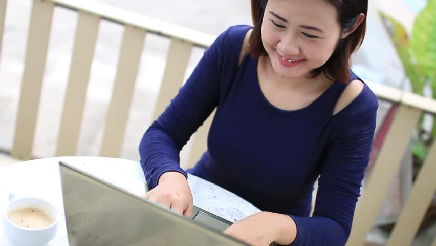 Phương thức mua thẻ trực tuyến nhận ưu đãi hấp dẫn
