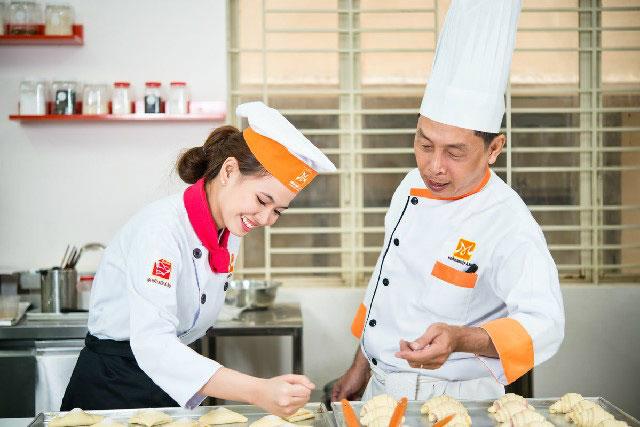 Khó khăn và cơ hội việc làm nghề bếp tại Hà Nội