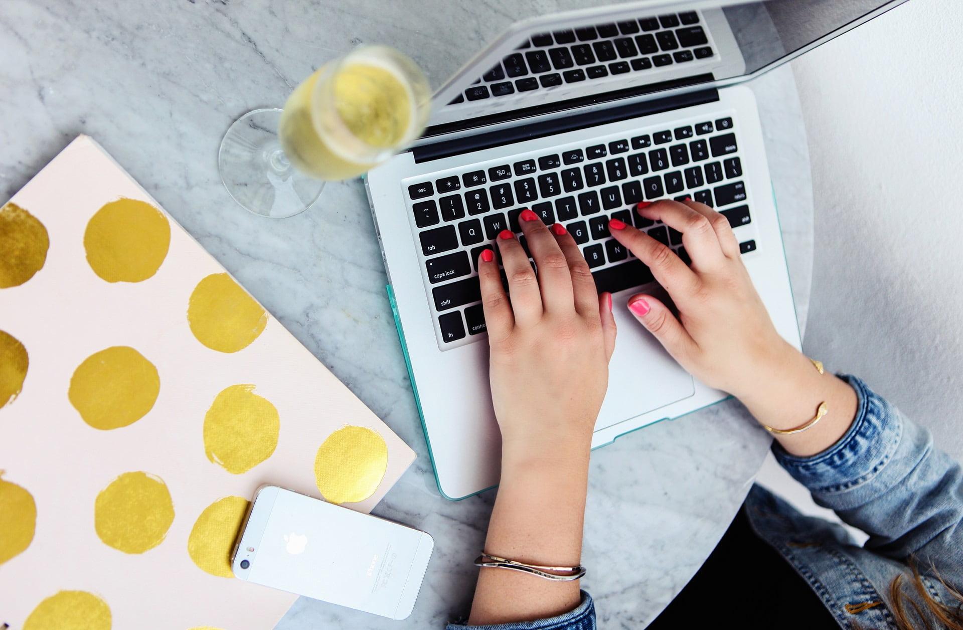 Mẫu CV tiếng Anh và cách viết CV xin việc bằng tiếng Anh hiệu quả nhất