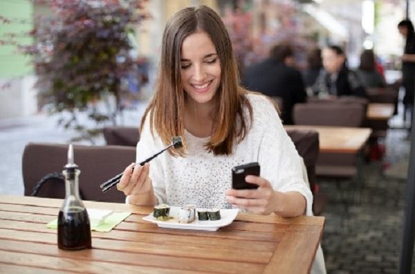 Làm sao mua thẻ điện thoại giá rẻ, giao dịch an toàn?