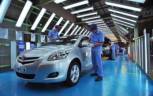 Lương nhân viên kinh doanh ô tô hiện nay là bao nhiêu